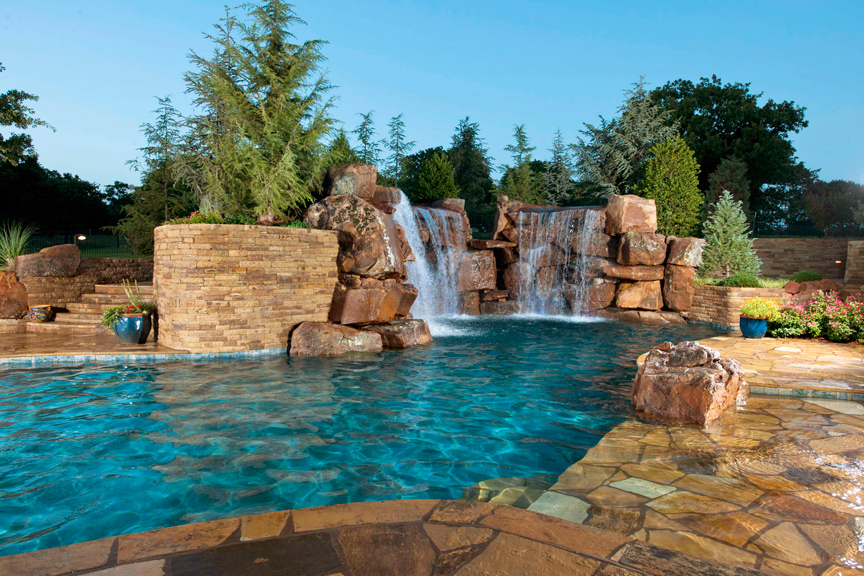 Cool pools st louis homes lifestyles for Best backyard pool designs