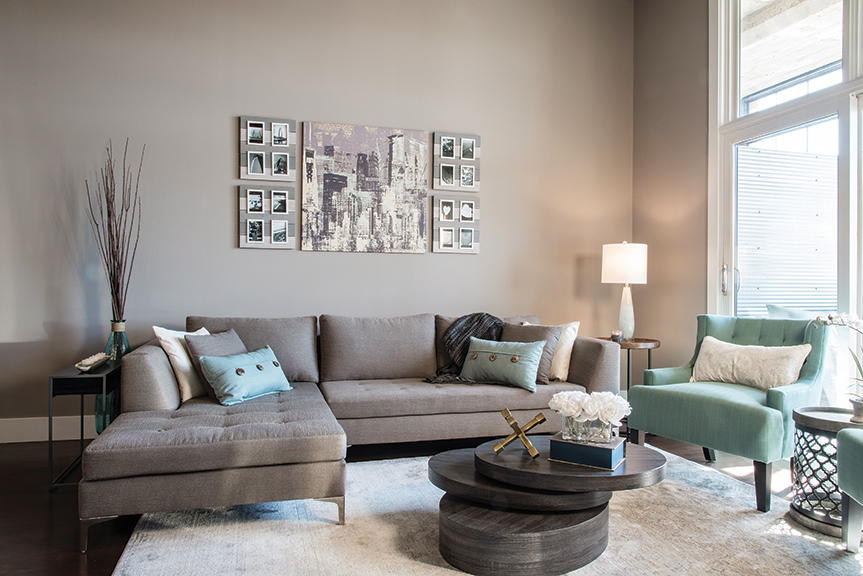 Combining Her Love Of New York City And Hometown St Louis A Collage Art Pictures Welcomes Guests In The Living Space