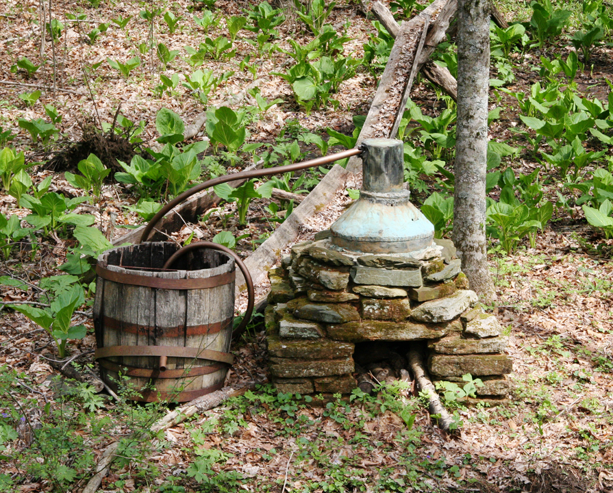 antique moonshine still - photo #37