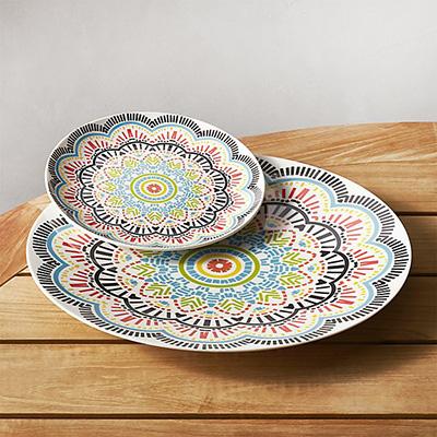 Friday Favorites: Outdoor Dinnerware