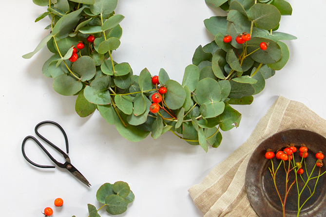 MOTM: Unconventional Holiday Wreaths