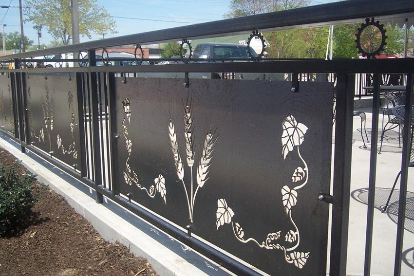 Aluminum Fence Lighting Ideas